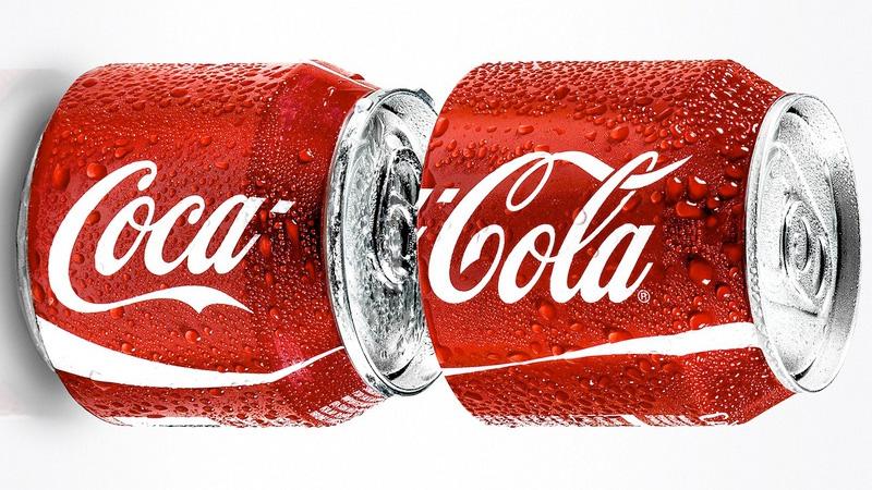 Coca-Cola lanza una lata para compartir en Singapur y ...