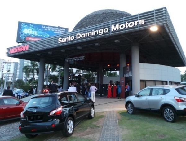 Para nuestro programa de hoy realizamos una transmisión especial desde el showroom de Nissan en Santo Domingo Motors donde tocamos varios temas, ...