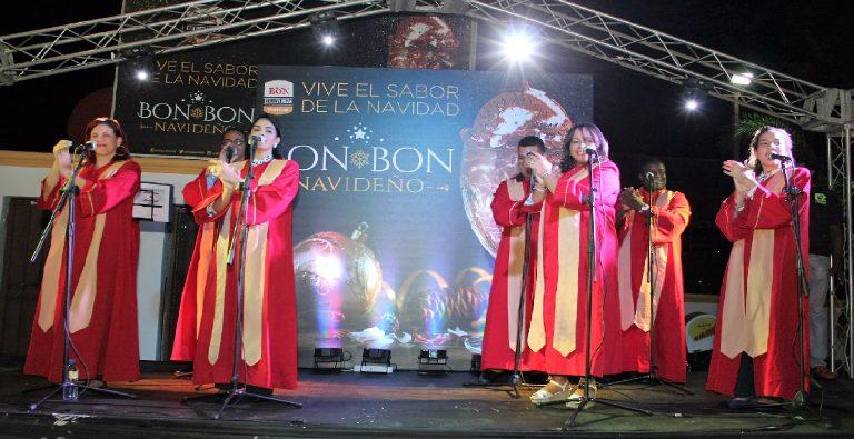 Helados Bon da la bienvenida en Santiago a la Navidad con su sabor de temporada