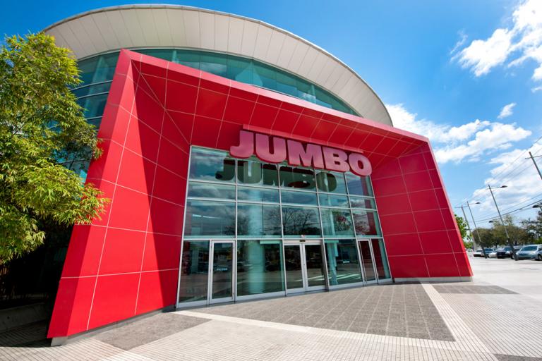 CCN abre horario exclusivo para personal de primera línea de emergencia en sus tiendas Supermercados Nacional y Jumbo